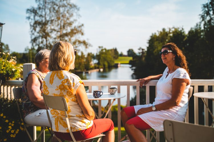 Enjoy the life along the canal. Foto: Jonas Ingstad